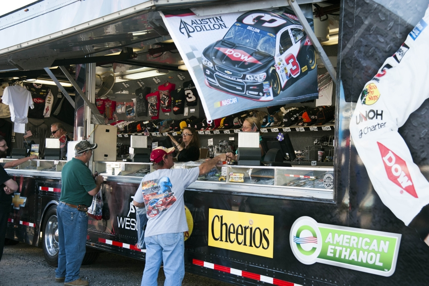 Formula 1 Austin Tickets >> NASCAR: FANATICS Merchandise Deal Hurts Fan Experience