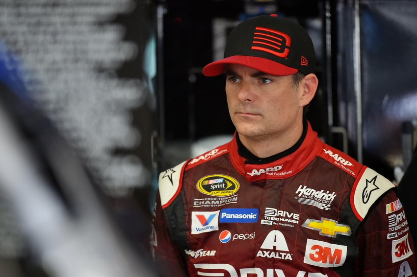 """a biography of jeff gordon one of the best race car drivers in the world On february 16, 1997, 25-year-old jeff gordon claims his first daytona 500  victory,  500-mile national association for stock car auto racing (nascar)  event,  gordon was """"a veritable babe in a field that included 27 drivers older  than 35, 16 at  bobby allison, who was born on december 3, 1937, in florida,  drove in his."""