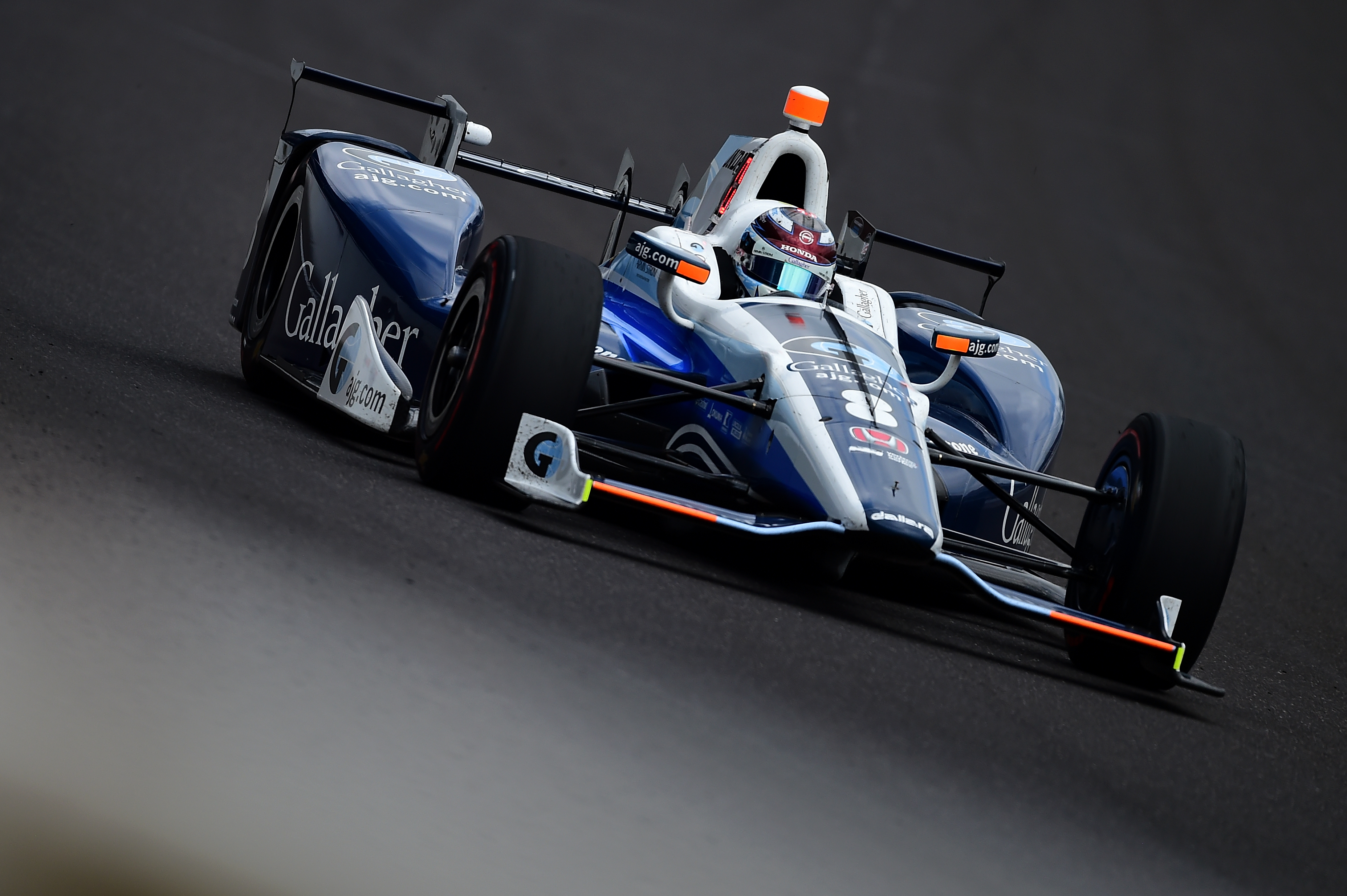 Newgarden races to 4th IndyCar win of season