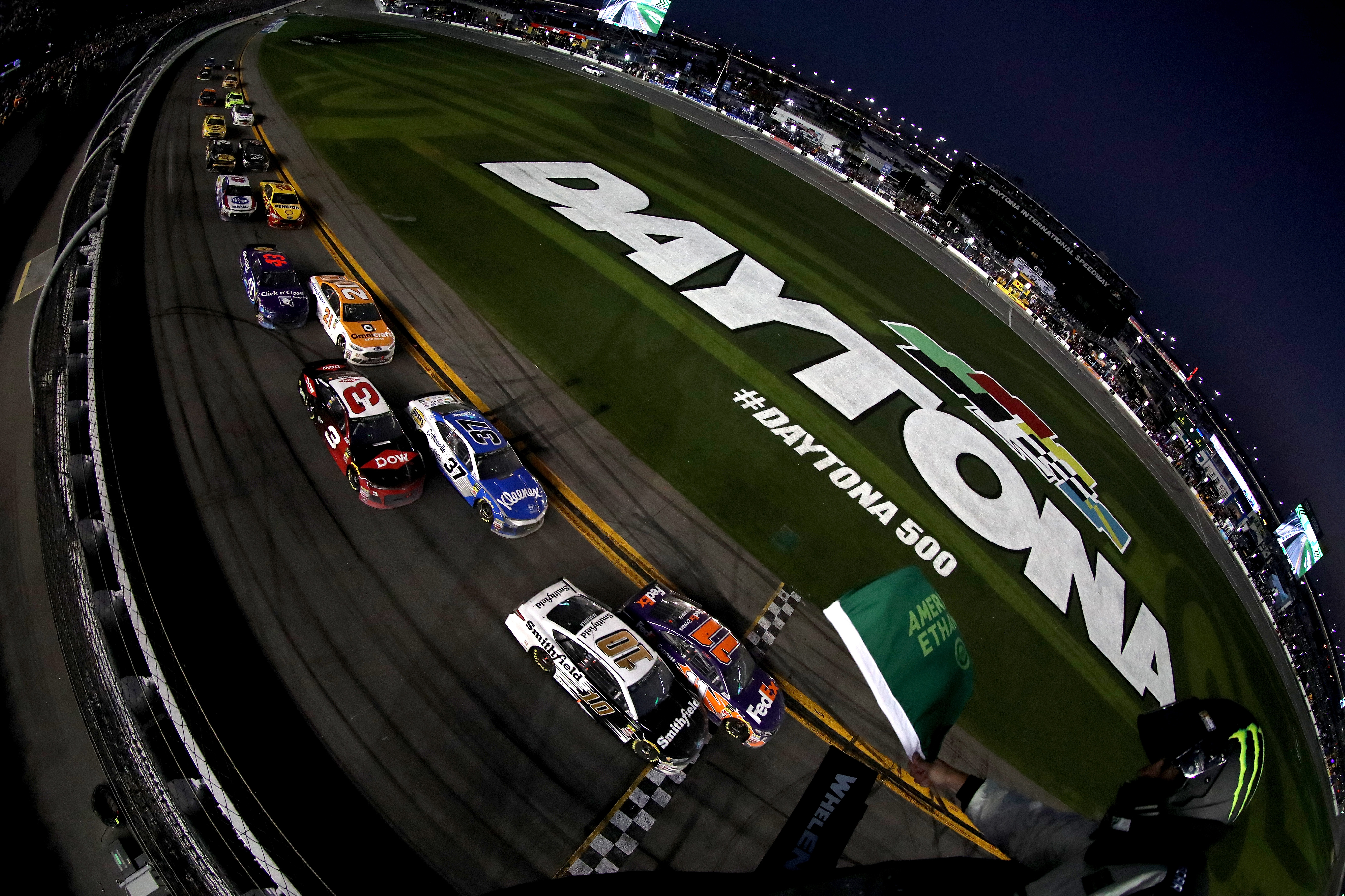 Austin Dillon takes NYC by storm in Daytona 500 victory lap